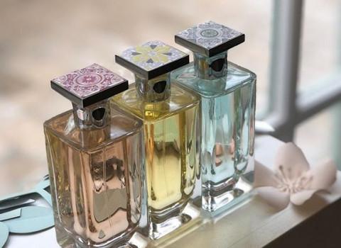 Les capots de parfum injectés en zamak permettent de retranscrire tout l'univers de votre marque