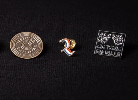 Pin's et insignes personnalisés résolument luxes, de toutes formes