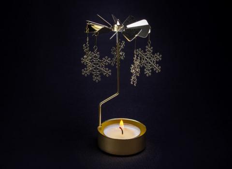 Nos manèges à bougie de Noël offrent un spectacle poétique et magique