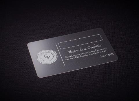 Fabrication sur-mesure de cartes de membre en inox, comprenant un numéro unique