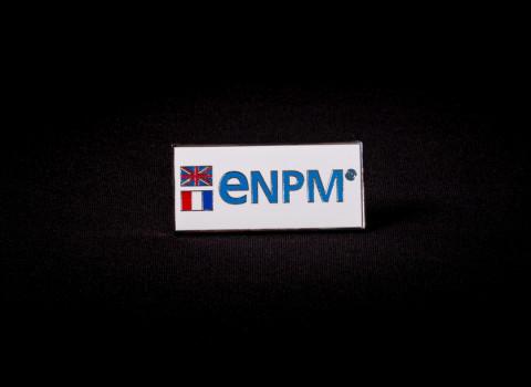 Badge personnalisé au logo d'entreprise - Fabrication laiton avec finitions émaillées